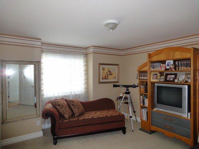 Photo 8: Photos: 15441 ROYAL AV: White Rock House for sale (South Surrey White Rock)  : MLS®# F1426178