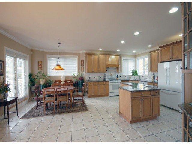 Photo 5: Photos: 15441 ROYAL AV: White Rock House for sale (South Surrey White Rock)  : MLS®# F1426178
