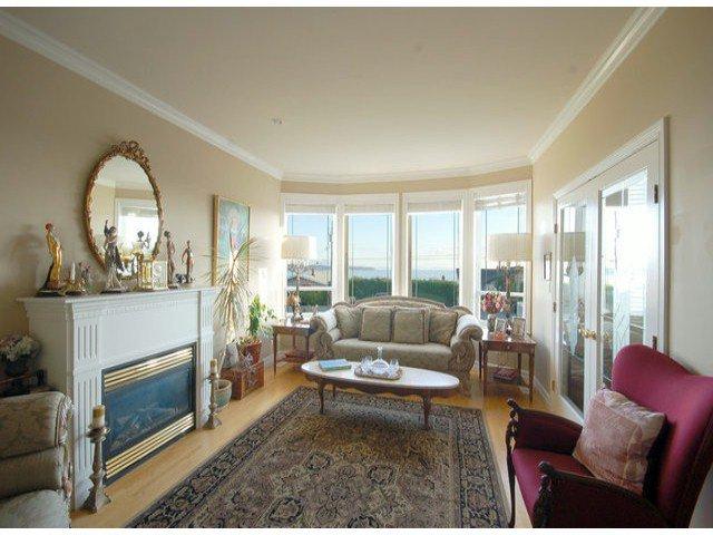 Photo 3: Photos: 15441 ROYAL AV: White Rock House for sale (South Surrey White Rock)  : MLS®# F1426178