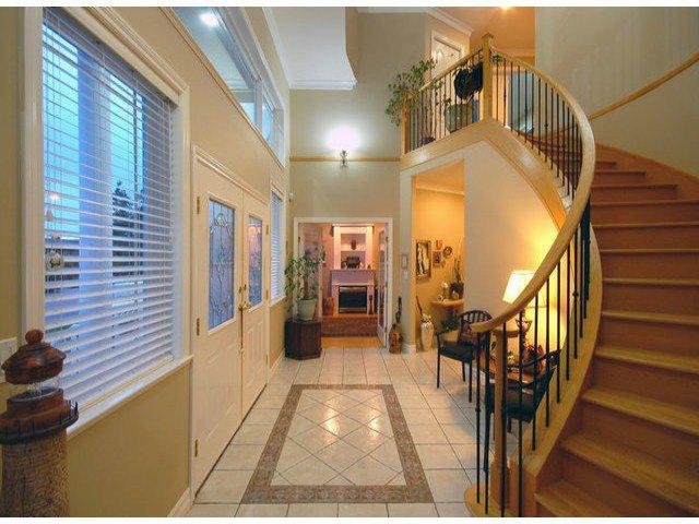 Photo 2: Photos: 15441 ROYAL AV: White Rock House for sale (South Surrey White Rock)  : MLS®# F1426178
