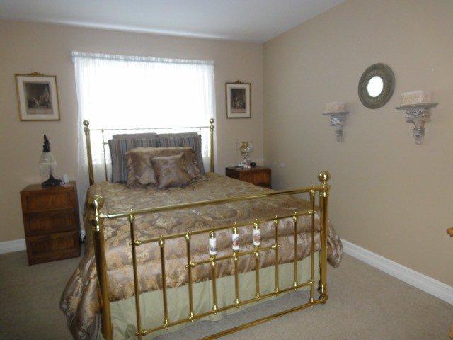 Photo 9: Photos: 15441 ROYAL AV: White Rock House for sale (South Surrey White Rock)  : MLS®# F1426178