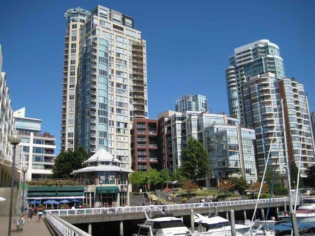 Main Photo: 1701 1000 BEACH AVENUE in Vancouver: Yaletown Condo for sale (Vancouver West)  : MLS®# R2108437