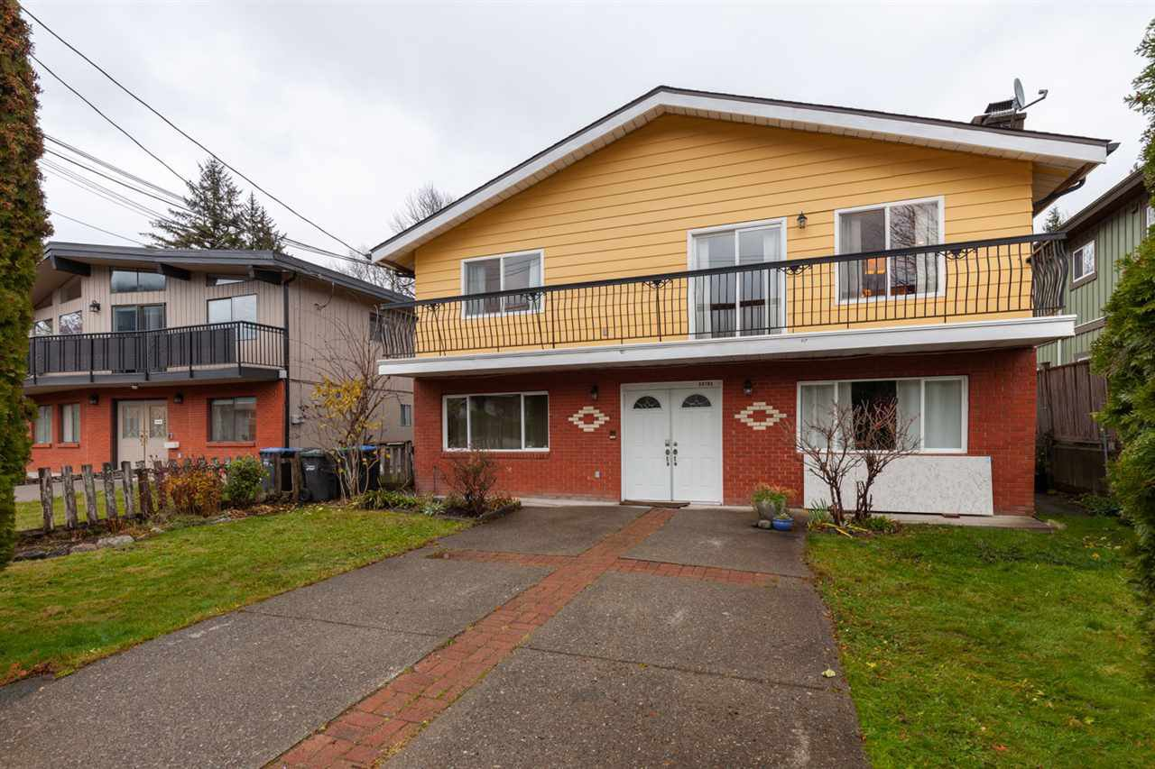 Main Photo: 38782 BRITANNIA Avenue in Squamish: Dentville House for sale : MLS®# R2419452