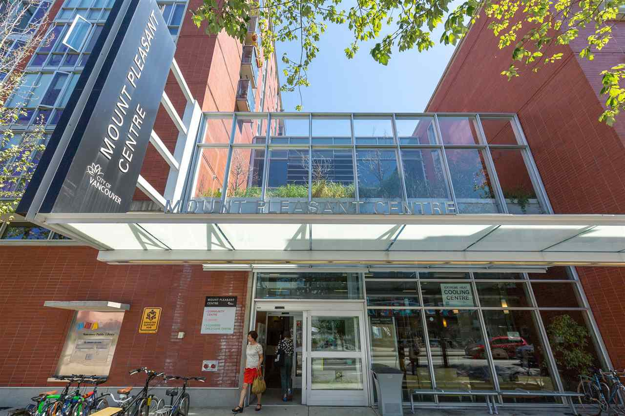 """Photo 14: Photos: 26 E 12TH Avenue in Vancouver: Mount Pleasant VE Townhouse for sale in """"WEST MAIN"""" (Vancouver East)  : MLS®# R2434485"""