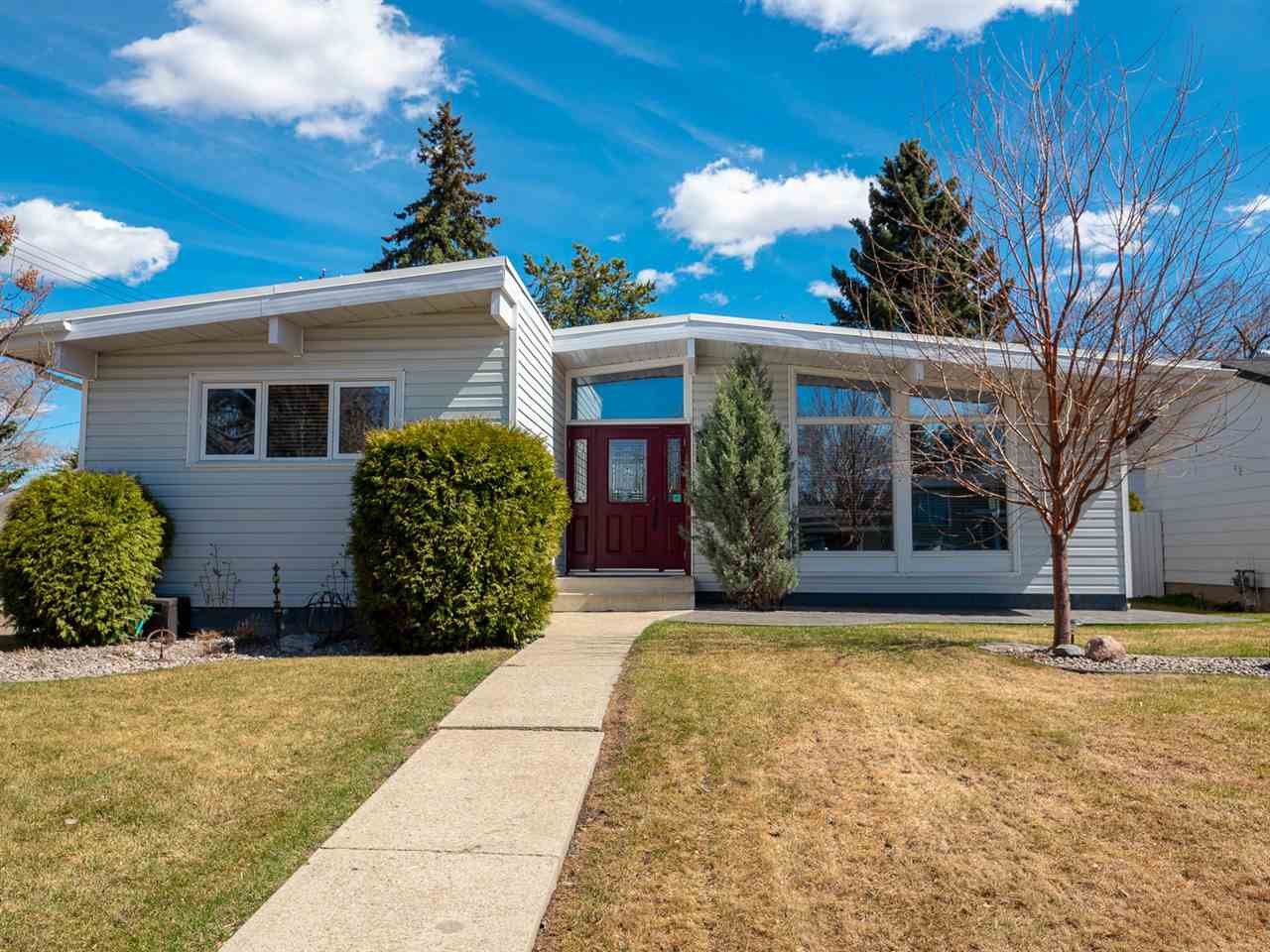 Main Photo: 4407 115 Street in Edmonton: Zone 16 House for sale : MLS®# E4199118