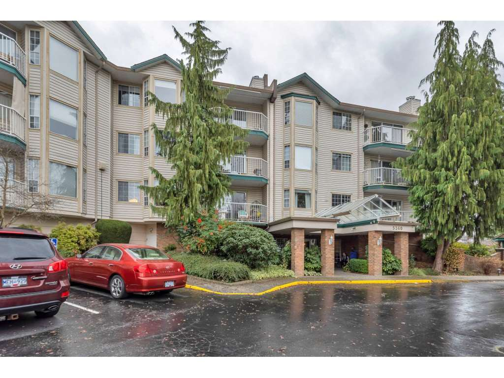 "Main Photo: 206 5360 205 Crescent in Langley: Langley City Condo for sale in ""PARKWAY ESTATES"" : MLS®# R2516417"