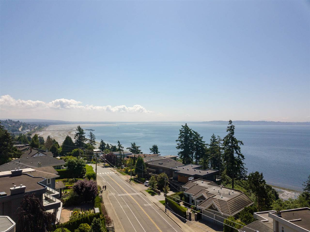 Photo 8: Photos: 14093 MARINE Drive: White Rock House for sale (South Surrey White Rock)  : MLS®# R2517967