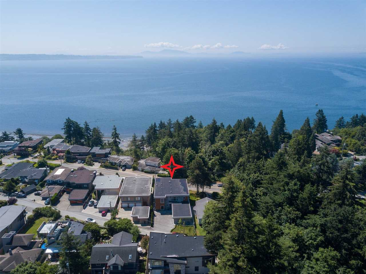 Photo 1: Photos: 14093 MARINE Drive: White Rock House for sale (South Surrey White Rock)  : MLS®# R2517967