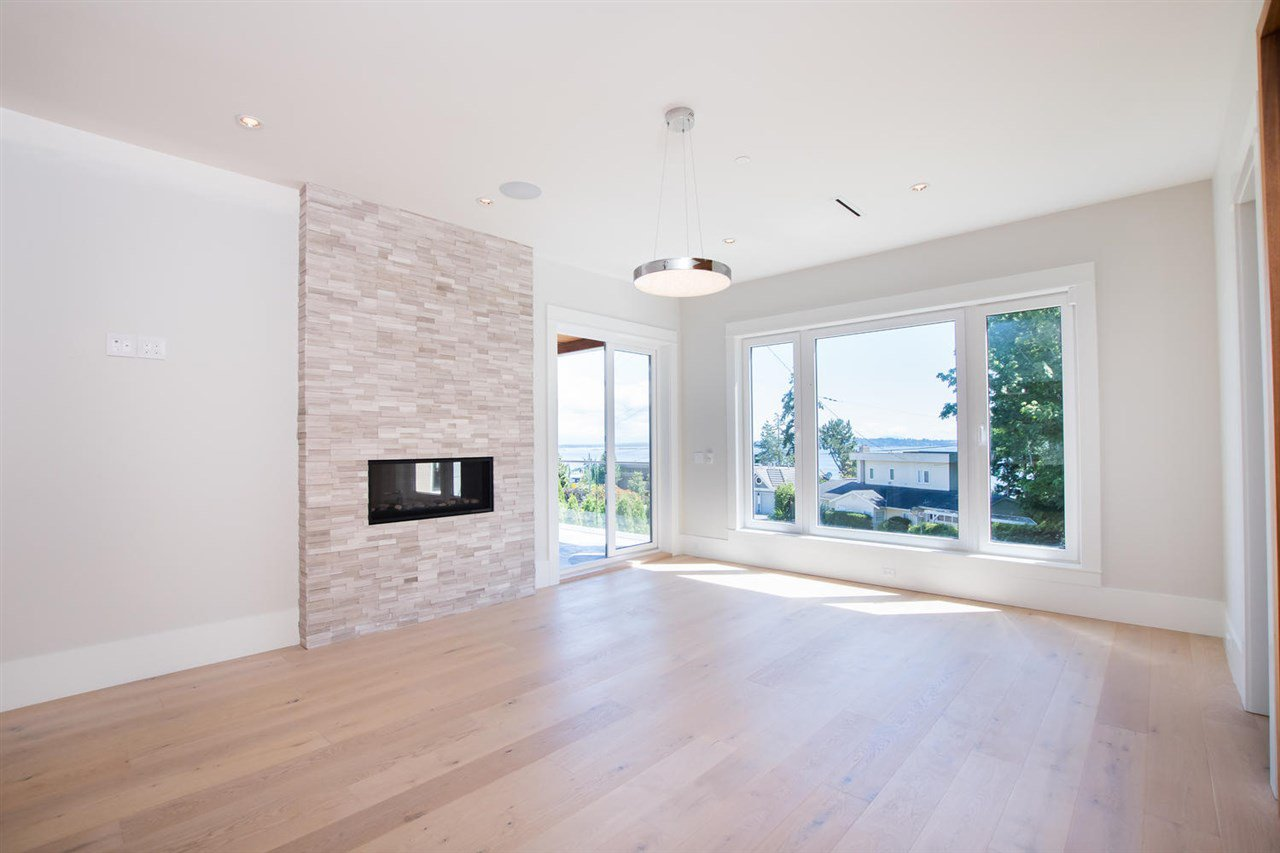 Photo 19: Photos: 14093 MARINE Drive: White Rock House for sale (South Surrey White Rock)  : MLS®# R2517967