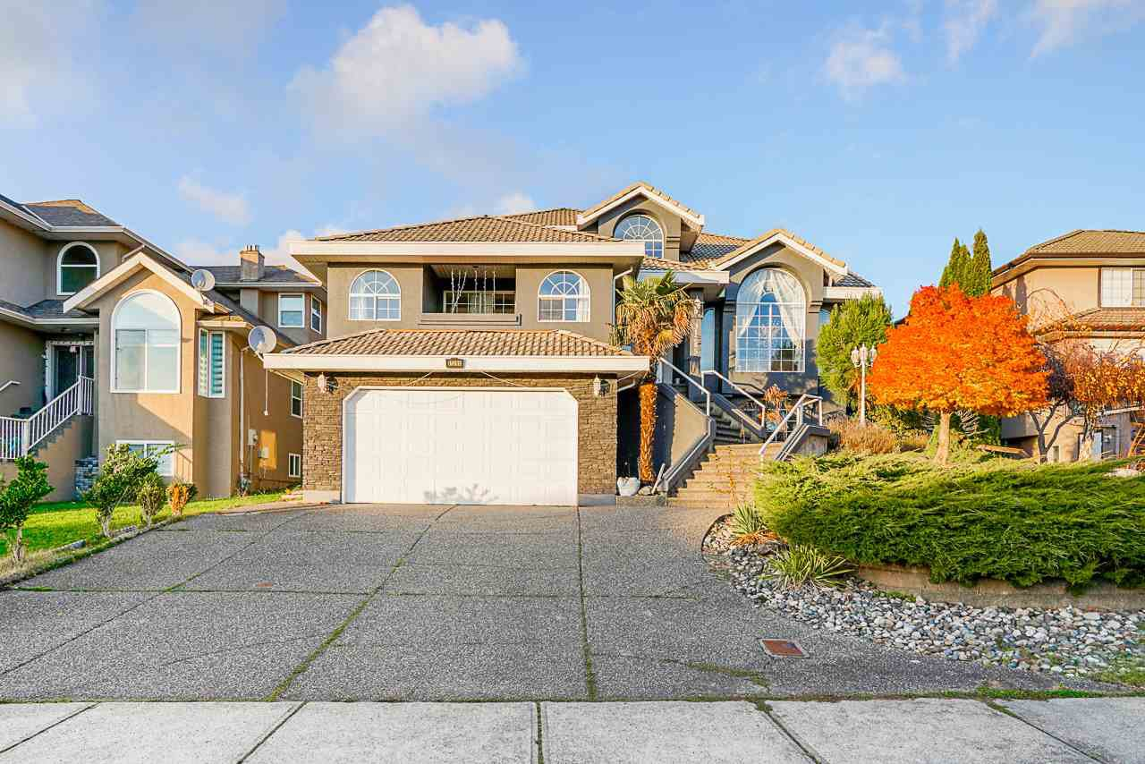 Main Photo: 31285 COGHLAN Place in Abbotsford: Abbotsford West House for sale : MLS®# R2520799