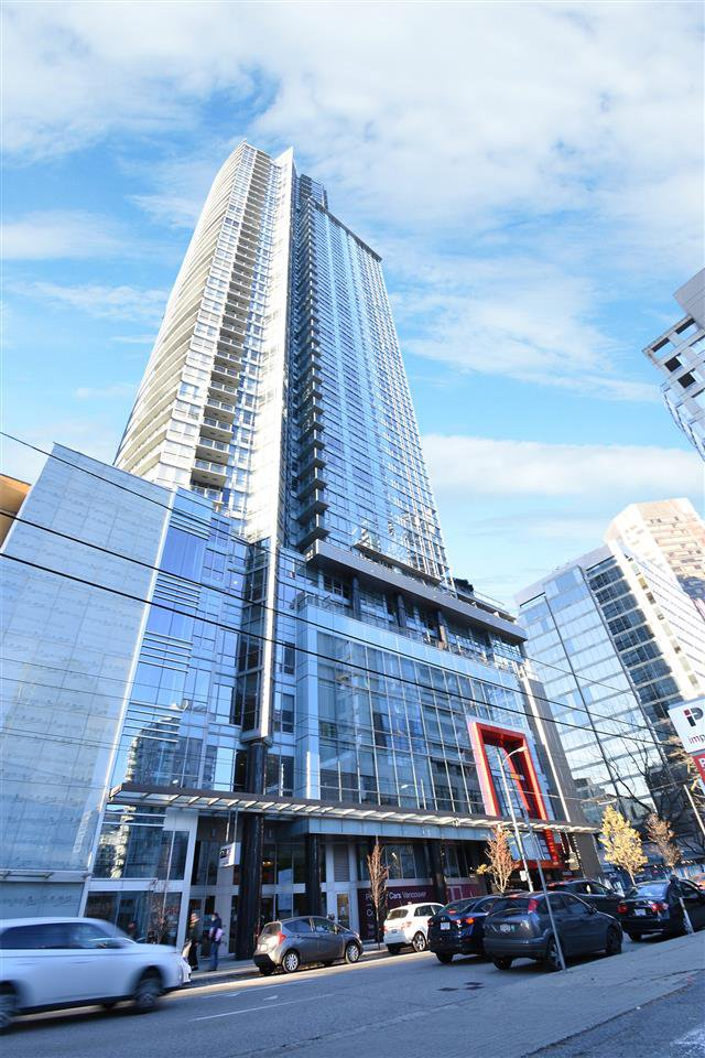 "Main Photo: 1611 833 SEYMOUR Street in Vancouver: Downtown VW Condo for sale in ""CAPITOL RESIDENCES"" (Vancouver West)  : MLS®# R2524805"