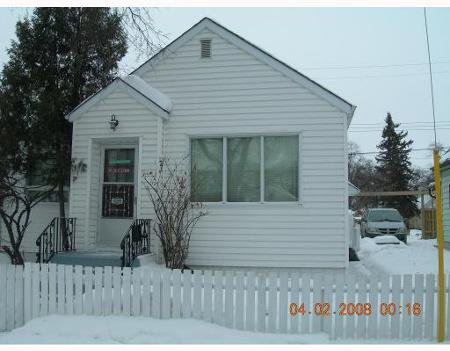Main Photo: 536 BURROWS: Residential for sale (Canada)  : MLS®# 2901893