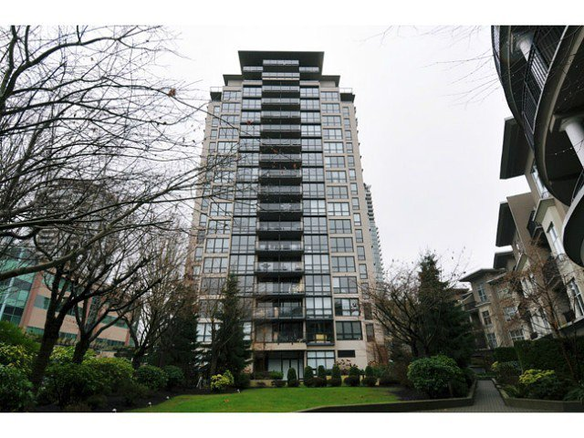 Main Photo: 1804 2959 Glen Drive in : North Coquitlam Condo for sale (Coquitlam)  : MLS®# v1012095