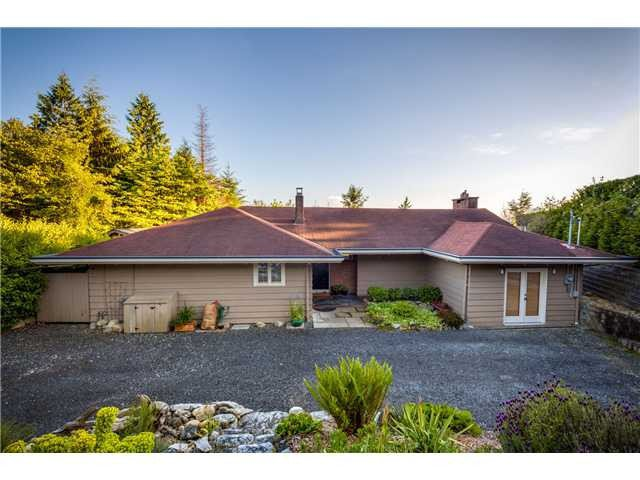 Main Photo: 4110 Burkehill Rd in West Vancouver: Bayridge House for sale : MLS®# V1096090