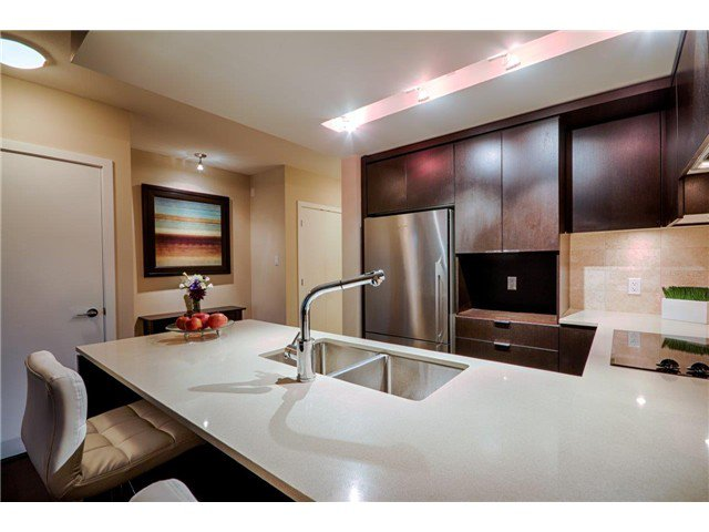 Photo 2: Photos: # 1207 158 W 13TH ST in North Vancouver: Central Lonsdale Condo for sale : MLS®# V1086786