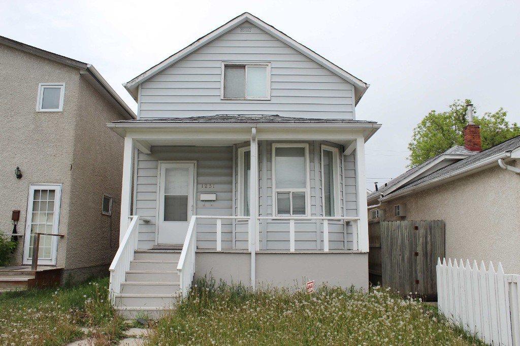 Main Photo: 1231 Alexander Avenue in Winnipeg: Brooklands / Weston Single Family Detached for sale (West Winnipeg)  : MLS®# 1613410