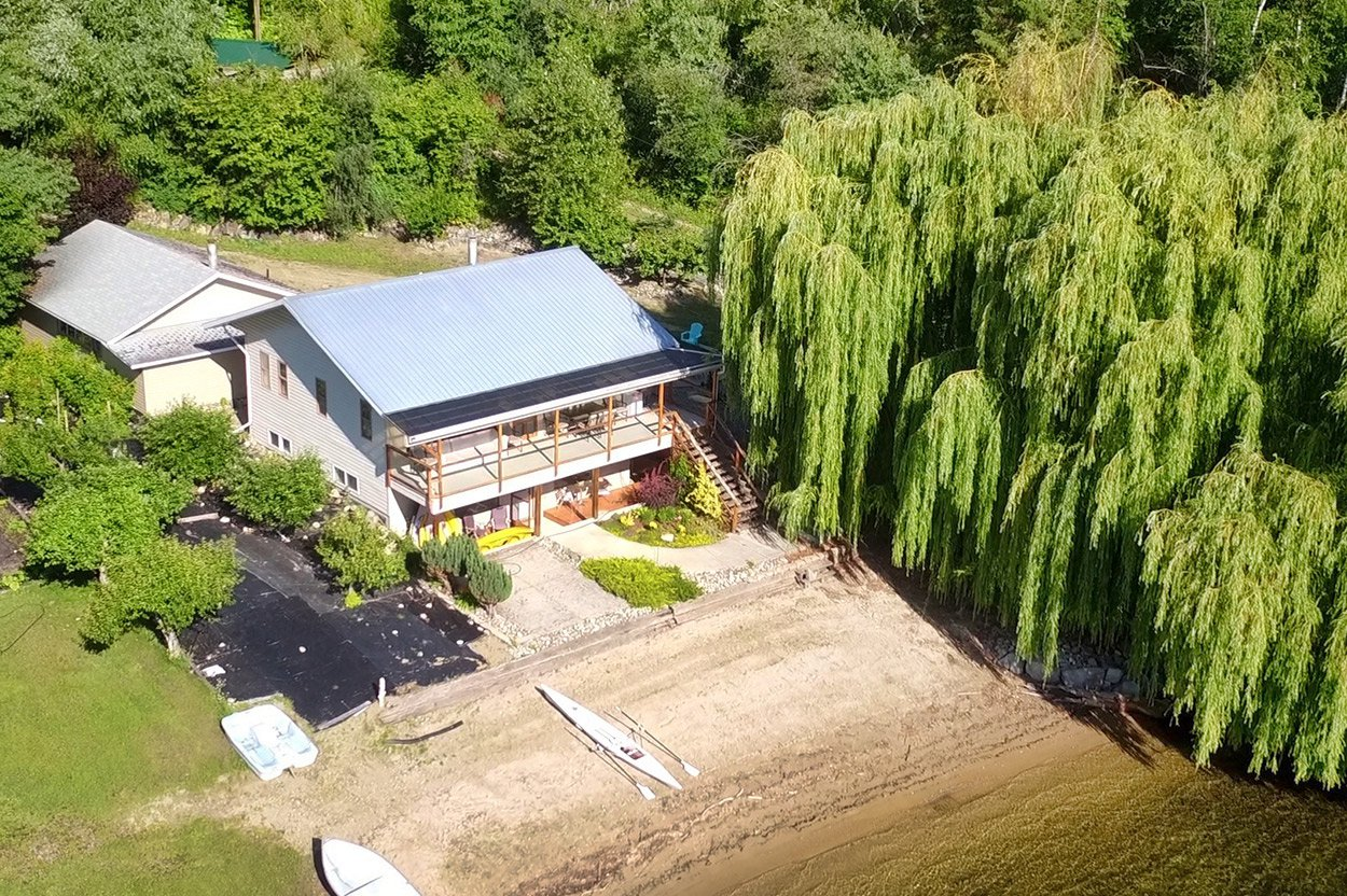 Main Photo: 6128 Lakeview Road in : Chase House for sale (Little Shuswap Lake)  : MLS®# 10163794