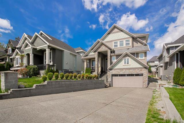Main Photo:  in Surrey: Cloverdale BC House for sale : MLS®# R2062146