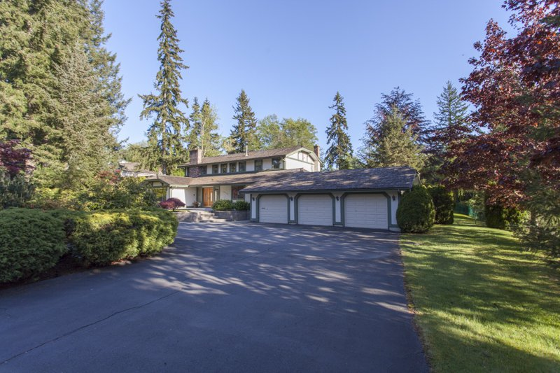 Main Photo: 14240 25th Avenue in South Surrey: Home for sale : MLS®# F140465
