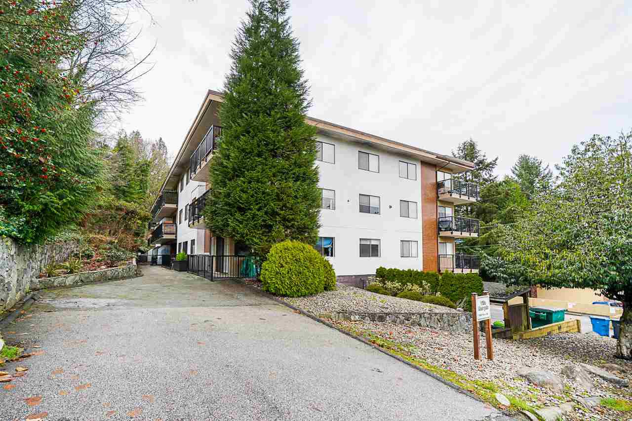 "Main Photo: 104 195 MARY Street in Port Moody: Port Moody Centre Condo for sale in ""VILLAS MARQUIS"" : MLS®# R2524968"