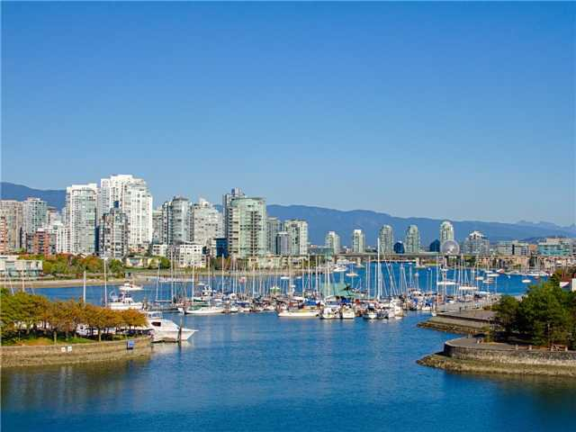 """Main Photo: 18 1201 LAMEY'S MILL Road in Vancouver: False Creek Townhouse for sale in """"ALDER BAY PLACE"""" (Vancouver West)  : MLS®# V975938"""