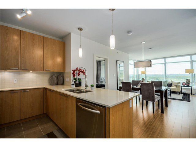 Main Photo: #1004  2789 SHAUGHNESSY ST in Port Coquitlam: Central Pt Coquitlam Condo for sale