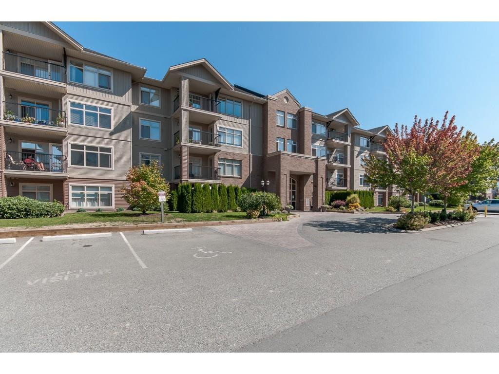 "Main Photo: 110 45769 STEVENSON Road in Sardis: Sardis East Vedder Rd Condo for sale in ""PARK PLACE 1"" : MLS®# R2388482"