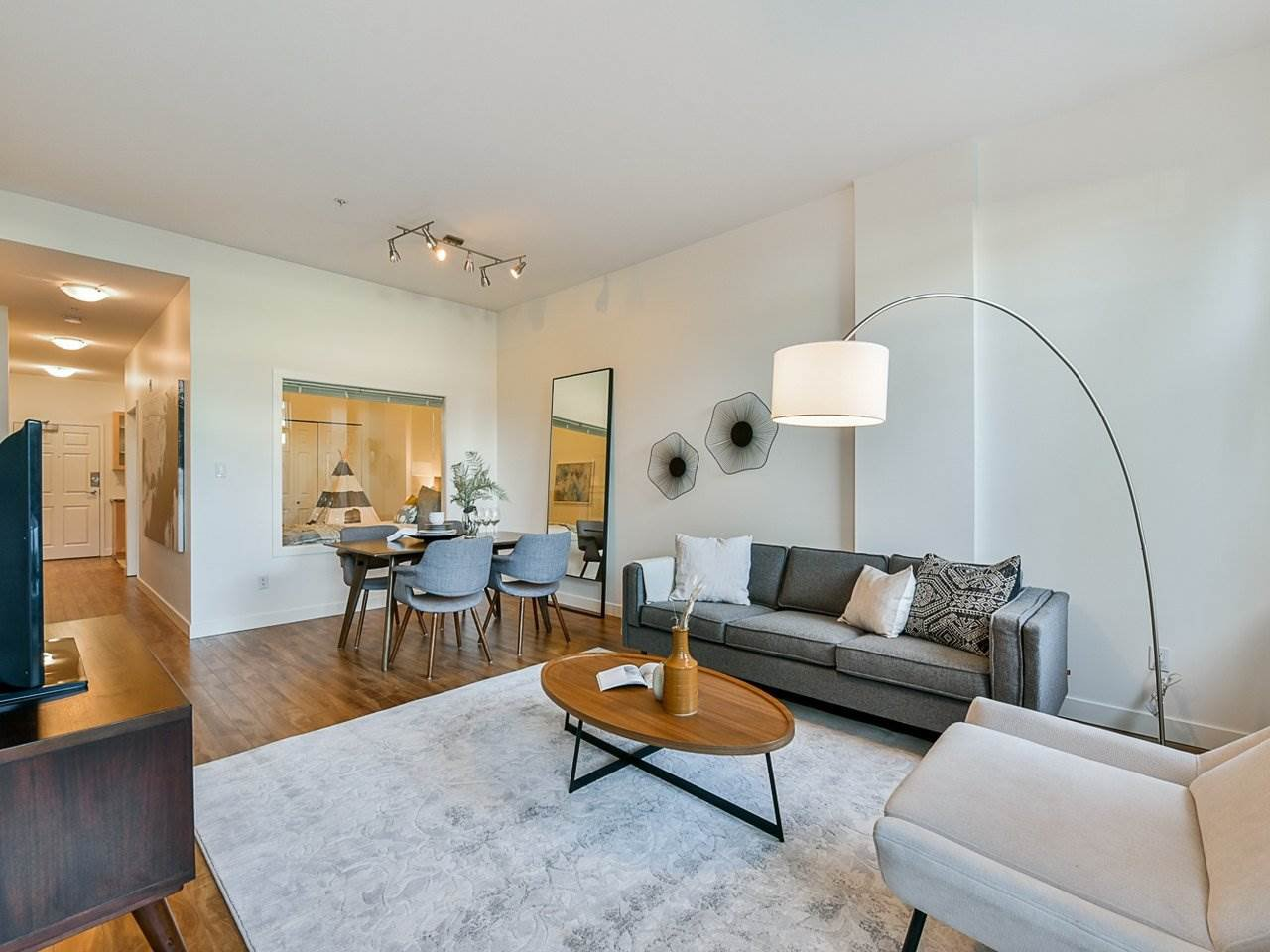 "Main Photo: 103 702 E KING EDWARD Avenue in Vancouver: Fraser VE Condo for sale in ""Magnolia"" (Vancouver East)  : MLS®# R2446677"