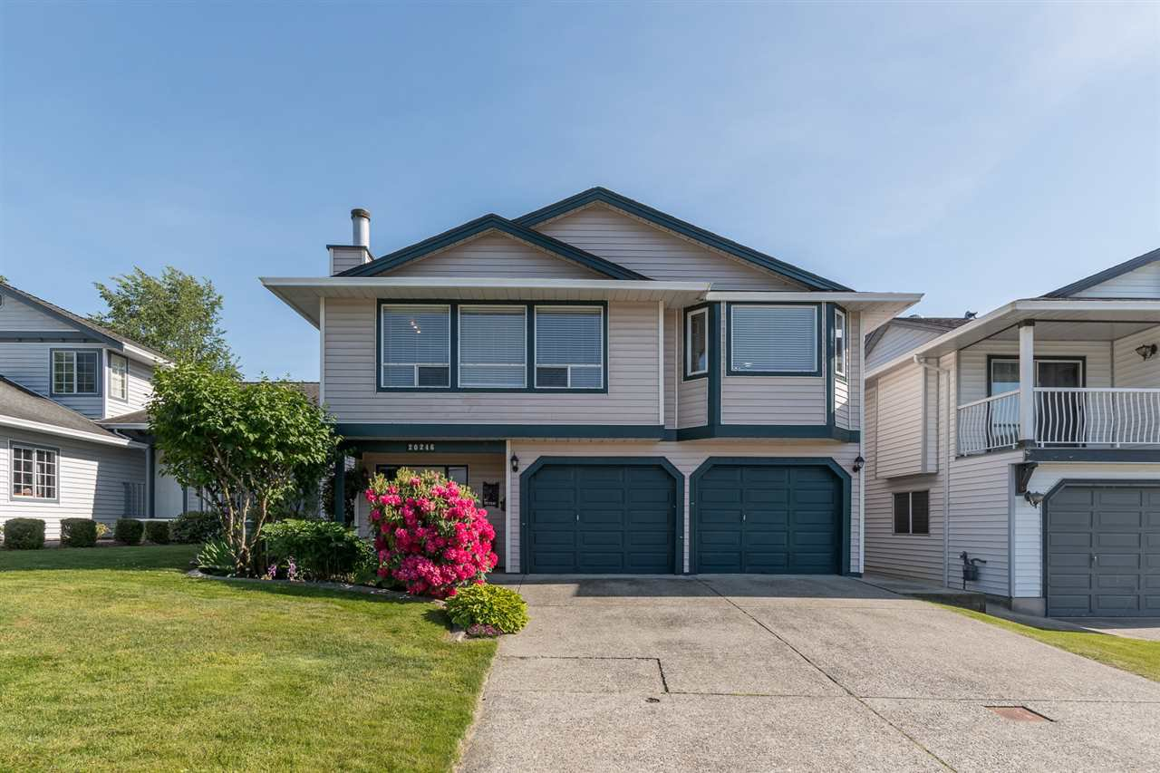 Main Photo: 20246 STANTON Avenue in Maple Ridge: Southwest Maple Ridge House for sale : MLS®# R2461366