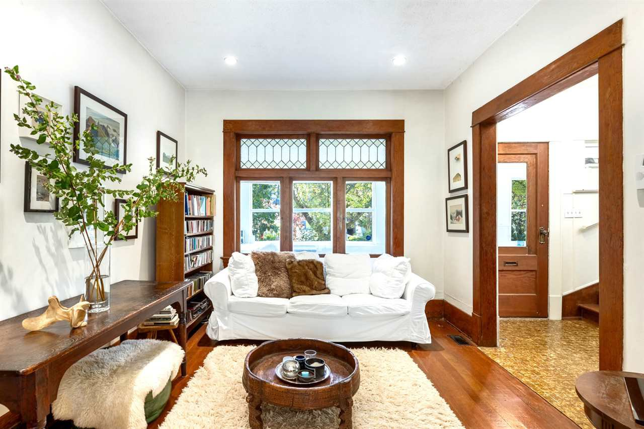 Main Photo: 1953 CHARLES Street in Vancouver: Grandview Woodland House for sale (Vancouver East)  : MLS®# R2475742