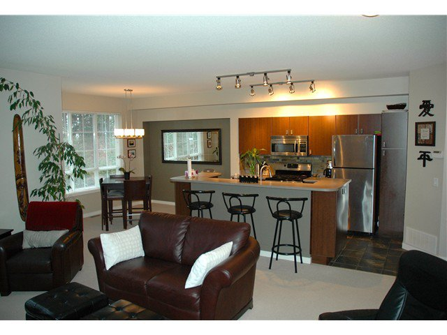 """Main Photo: 41 2200 PANORAMA Drive in Port Moody: Heritage Woods PM Townhouse for sale in """"QUEST"""" : MLS®# V996128"""