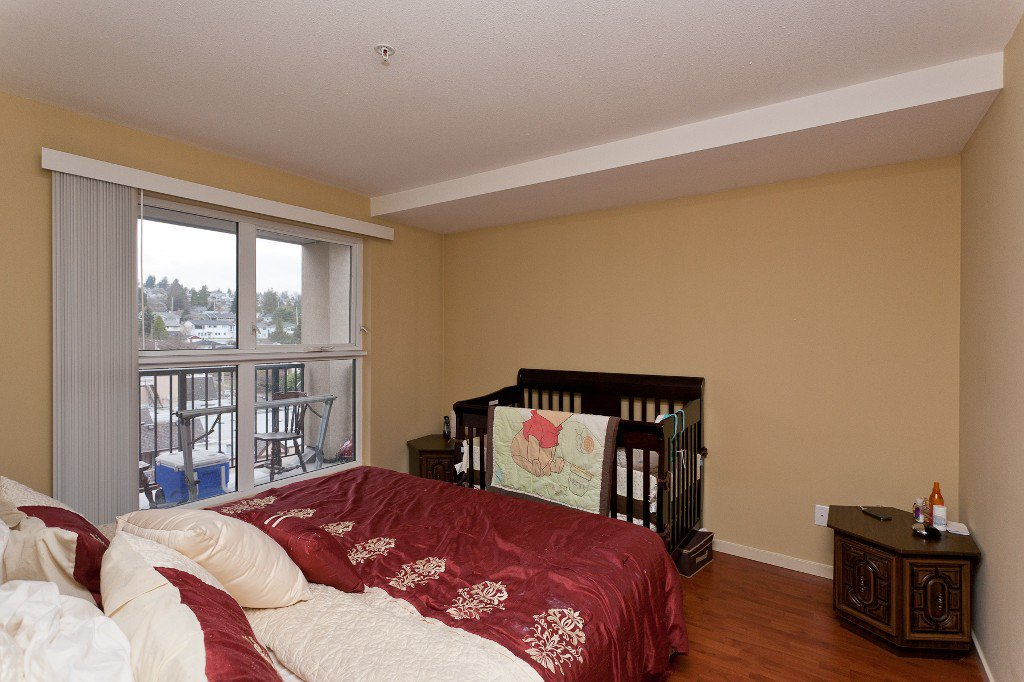 """Photo 8: Photos: 710 415 E COLUMBIA Street in New Westminster: Sapperton Condo for sale in """"SAN MARINO"""" : MLS®# V1003972"""