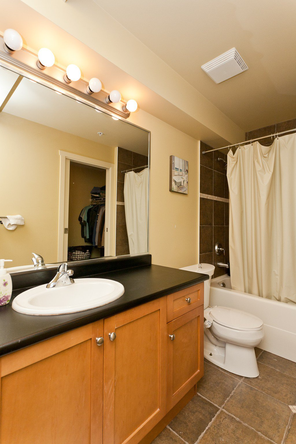 """Photo 11: Photos: 710 415 E COLUMBIA Street in New Westminster: Sapperton Condo for sale in """"SAN MARINO"""" : MLS®# V1003972"""