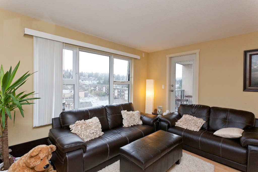 """Photo 2: Photos: 710 415 E COLUMBIA Street in New Westminster: Sapperton Condo for sale in """"SAN MARINO"""" : MLS®# V1003972"""