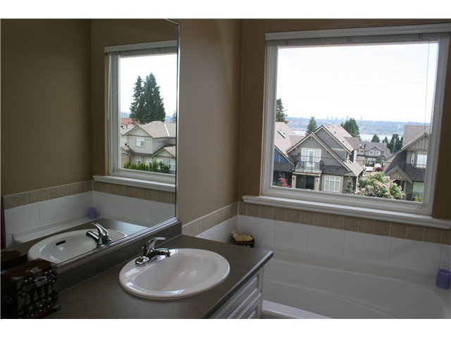 Photo 7: Photos: 1045 CHARLAND Avenue in Coquitlam: Central Coquitlam House 1/2 Duplex for sale : MLS®# V1007417