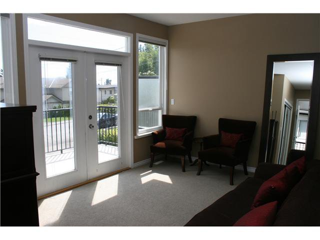 Photo 5: Photos: 1045 CHARLAND Avenue in Coquitlam: Central Coquitlam House 1/2 Duplex for sale : MLS®# V1007417