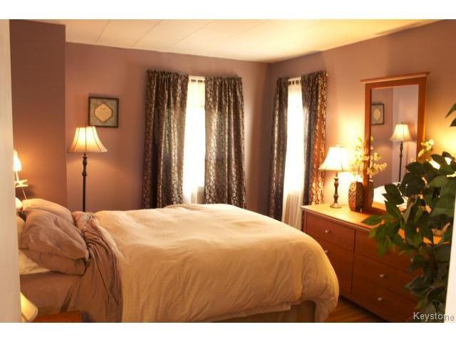 Photo 16: Photos: 271 Marjorie Street in WINNIPEG: St James Residential for sale (West Winnipeg)  : MLS®# 1321158
