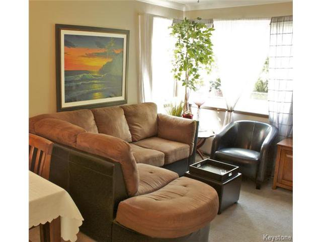 Photo 10: Photos: 271 Marjorie Street in WINNIPEG: St James Residential for sale (West Winnipeg)  : MLS®# 1321158