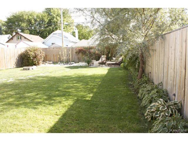Photo 2: Photos: 271 Marjorie Street in WINNIPEG: St James Residential for sale (West Winnipeg)  : MLS®# 1321158