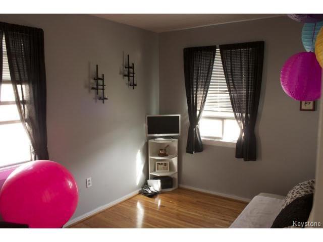 Photo 15: Photos: 271 Marjorie Street in WINNIPEG: St James Residential for sale (West Winnipeg)  : MLS®# 1321158