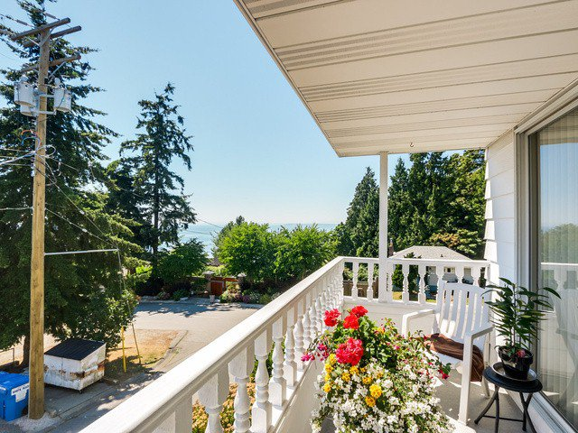 "Photo 15: Photos: 203 15010 ROPER Avenue: White Rock Condo for sale in ""Baycrest"" (South Surrey White Rock)  : MLS®# F1417713"