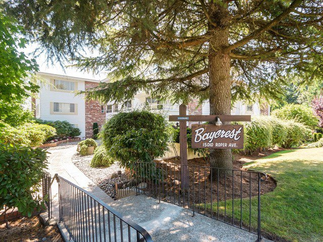 "Photo 1: Photos: 203 15010 ROPER Avenue: White Rock Condo for sale in ""Baycrest"" (South Surrey White Rock)  : MLS®# F1417713"