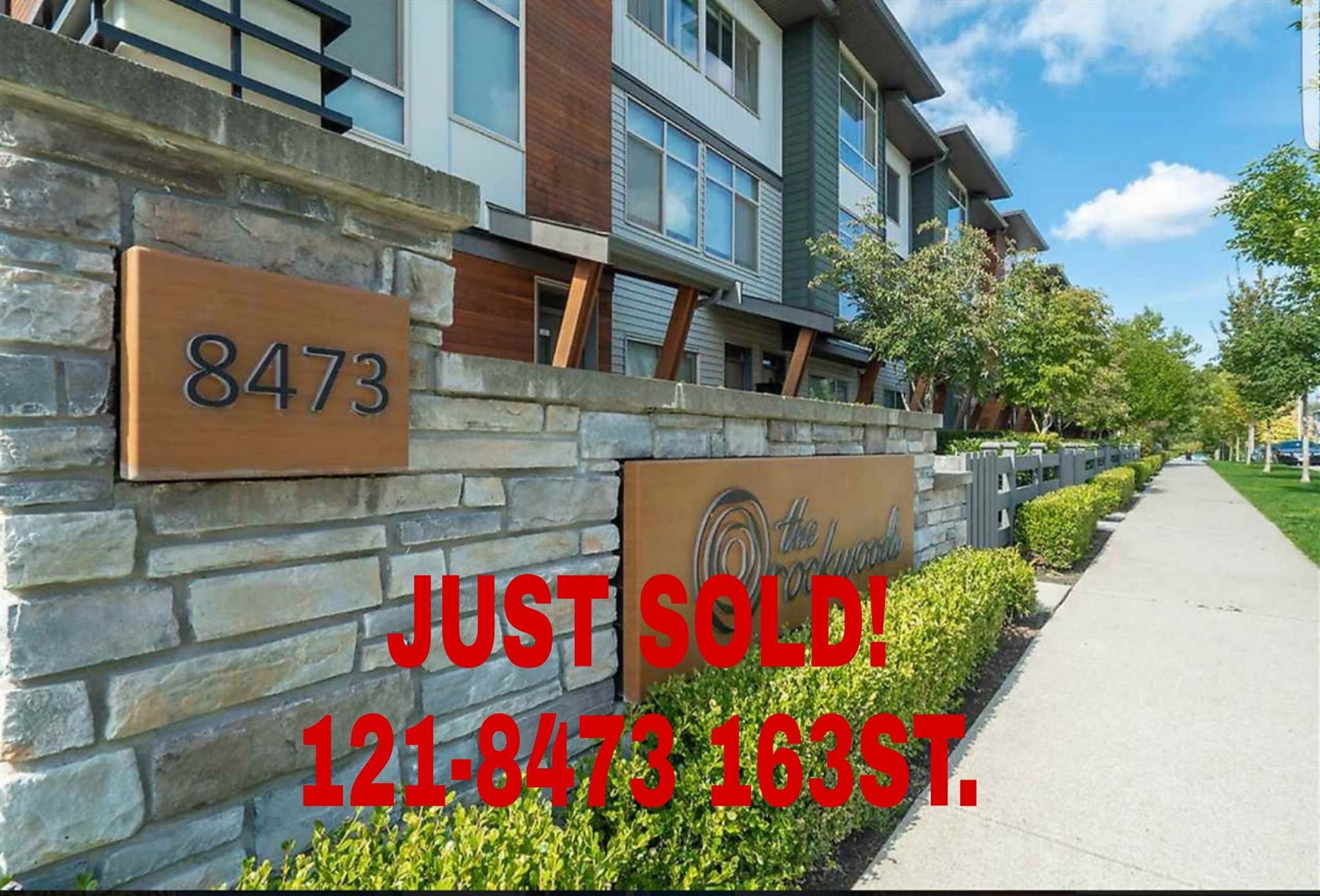 Main Photo: 121 8473 163 in surrey: Townhouse for sale (Surrey)  : MLS®# r2308084