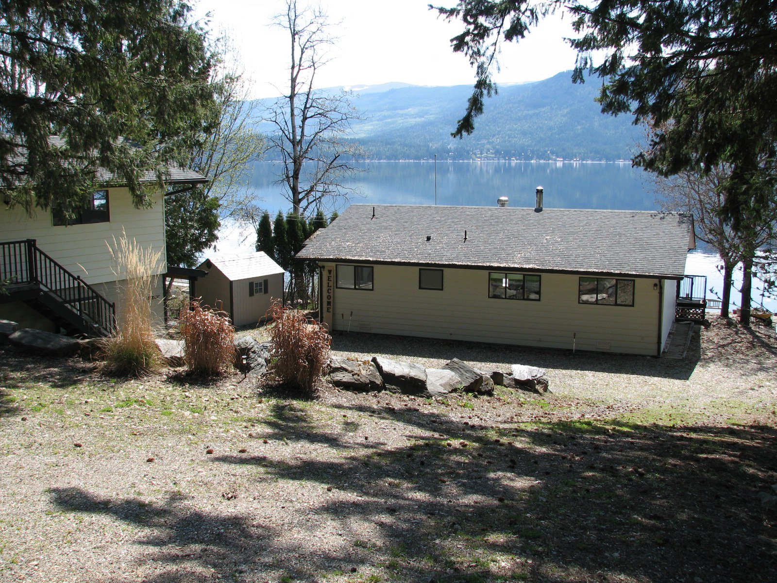 Main Photo: 6366 Squilax Anglemont Hwy in Magna Bay: North Shuswap House for sale (Shuswap)  : MLS®# 10181400