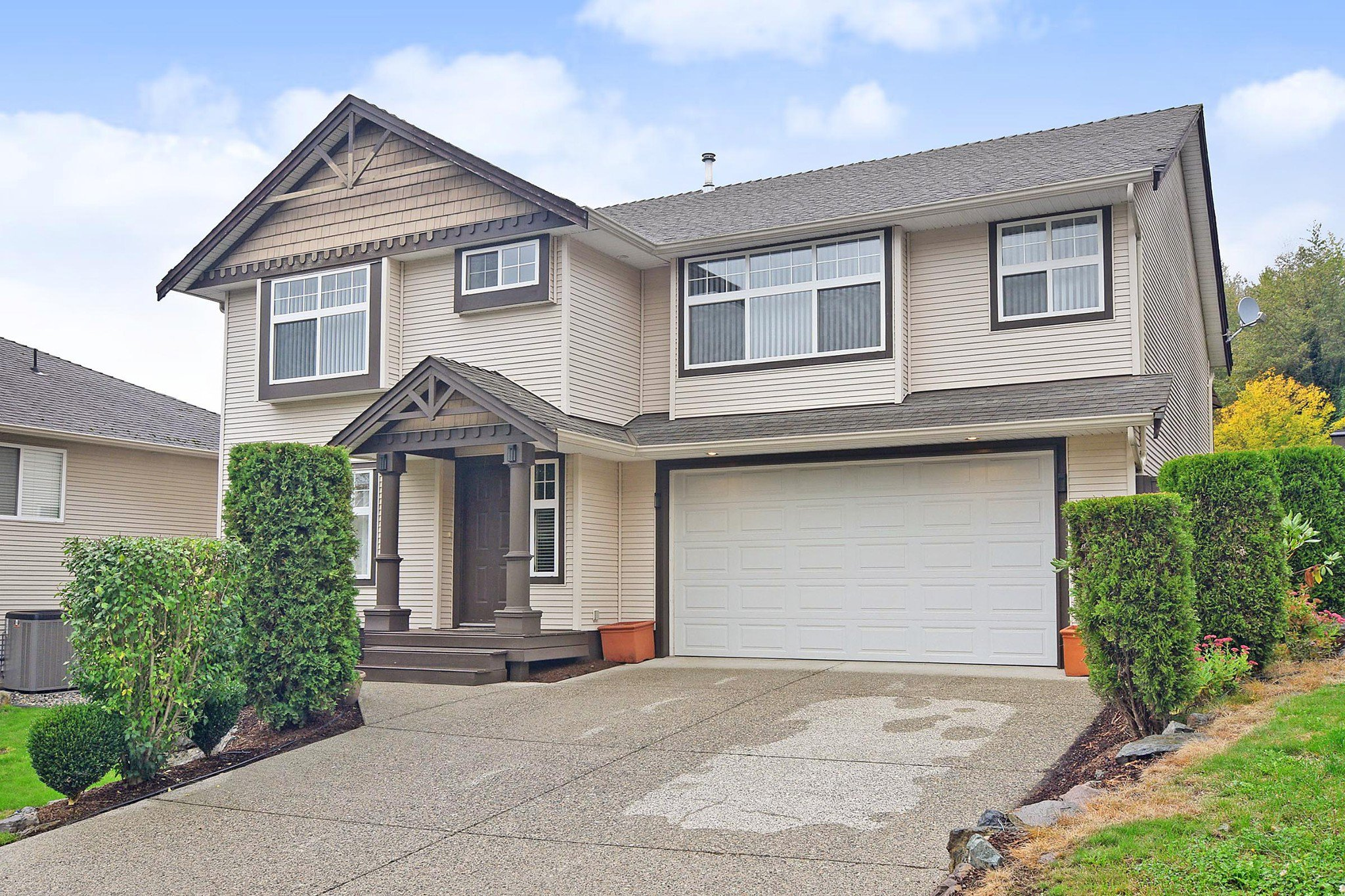 """Main Photo: 35579 TWEEDSMUIR Drive in Abbotsford: Abbotsford East House for sale in """"McKinley Heights"""" : MLS®# R2407472"""