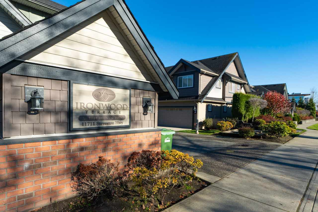Main Photo: 3 11711 STEVESTON Highway in Richmond: Ironwood Townhouse for sale : MLS®# R2416251