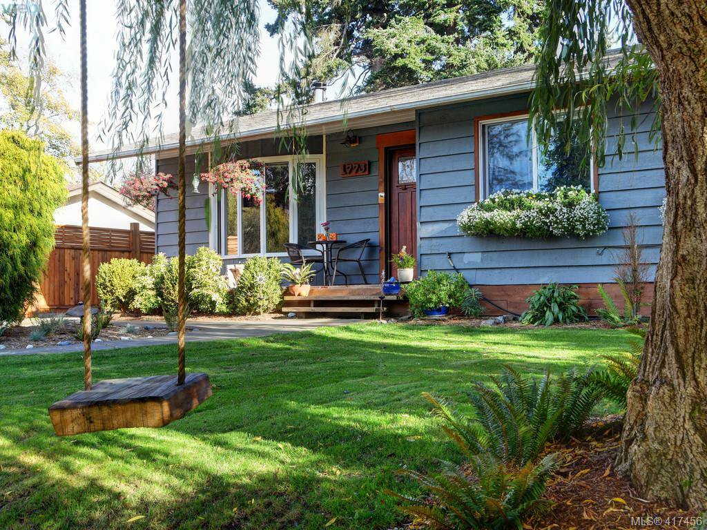 Main Photo: 1773 Minnie Road in SOOKE: Sk Whiffin Spit Single Family Detached for sale (Sooke)  : MLS®# 417456