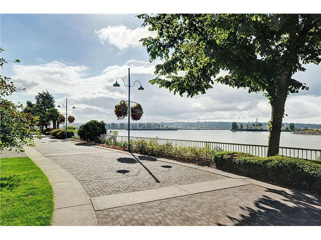 """Photo 9: Photos: 1206 1250 QUAYSIDE Drive in New Westminster: Quay Condo for sale in """"Promenade"""" : MLS®# V967970"""