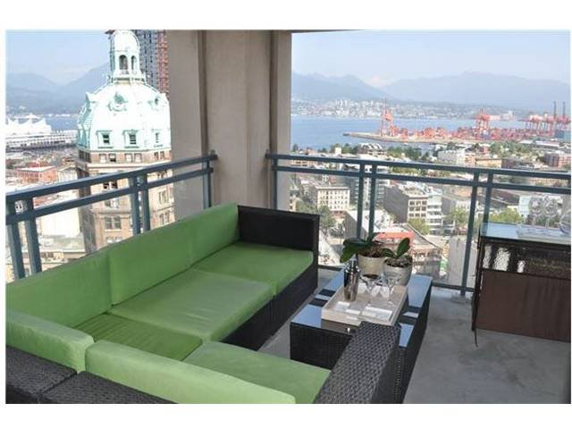 Main Photo: # 2402 183 KEEFER PL in Vancouver: Downtown VW Condo for sale (Vancouver West)