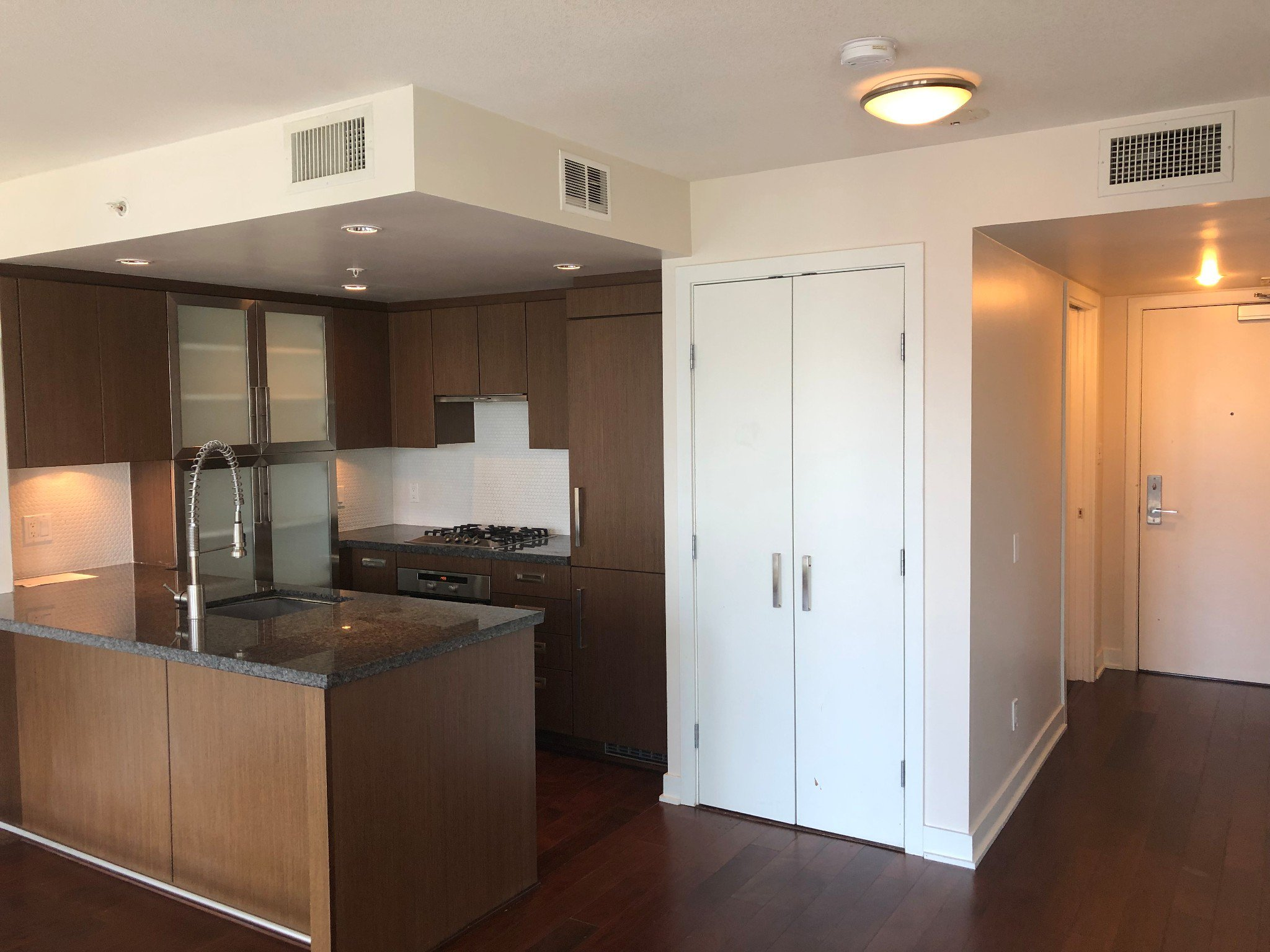 Photo 12: Photos: 1708-1055 Richards St in Vancouver: Yaletown Condo for rent (Downtown Vancouver)